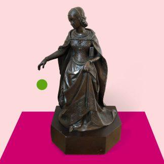 Bronzefigur Frau in mittelalterlicher Tracht